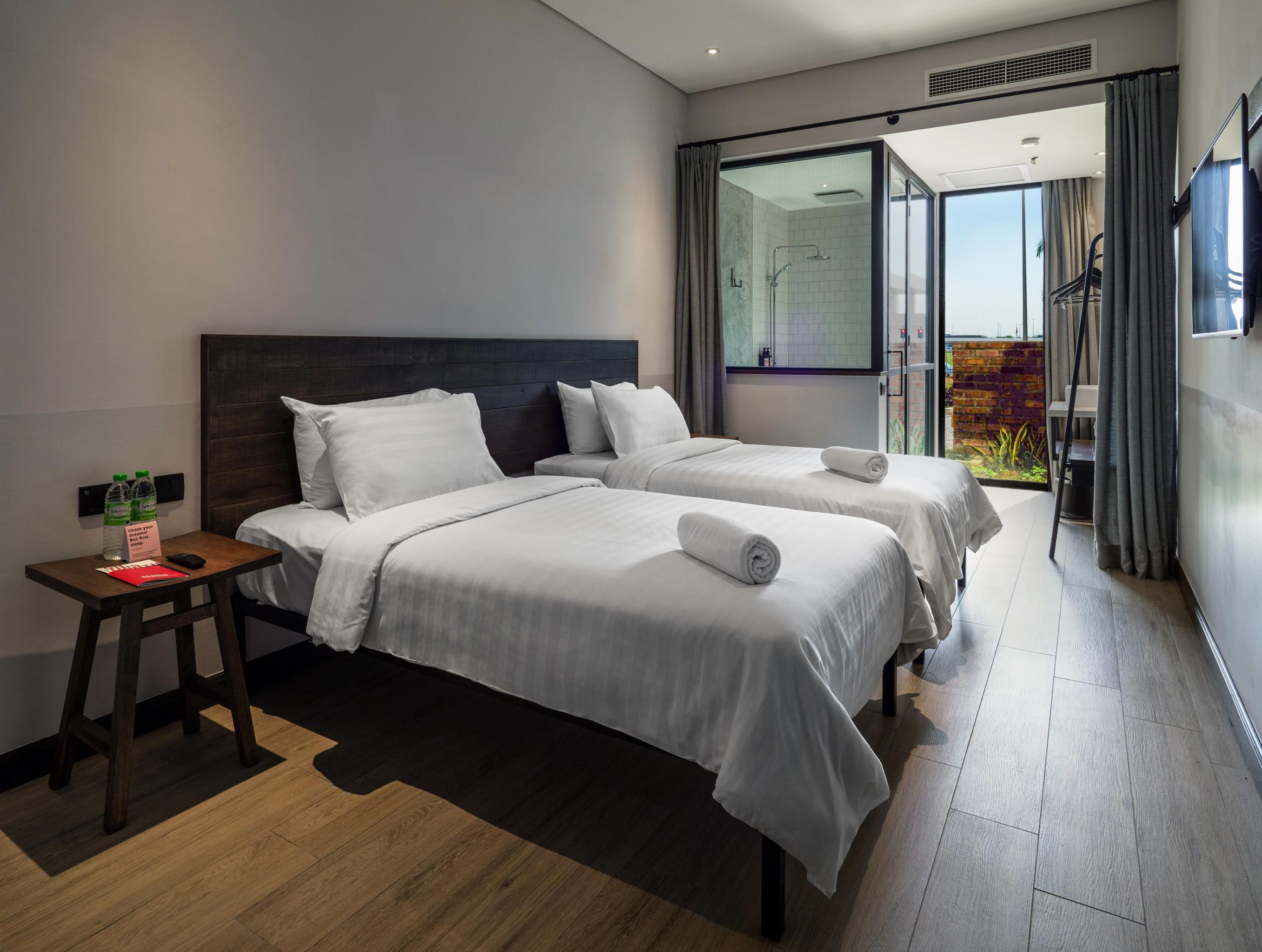 Tune Hotel Klia-Klia25, Airport Transit Hotel, Sepang - Compare Deals